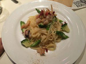 駒沢 バワリーキッチン 冷たい魚介マリネのパスタ